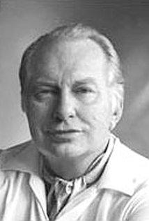 L. Ron Hubbard (1911–1986).jpg
