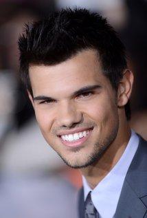 Taylor Lautner.jpg